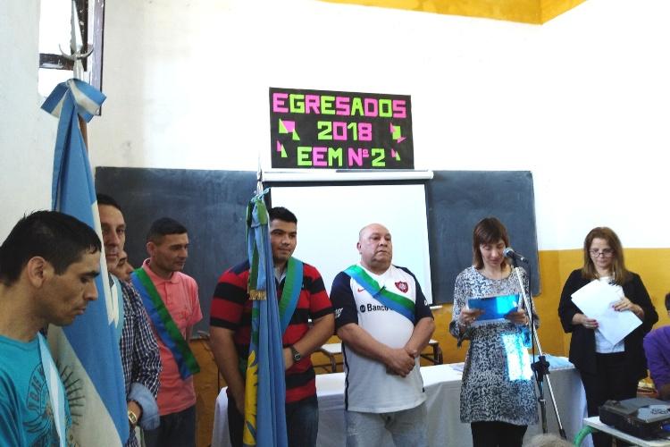 Ceremonia de graduación para estudiantes de la Escuela Media N° 2