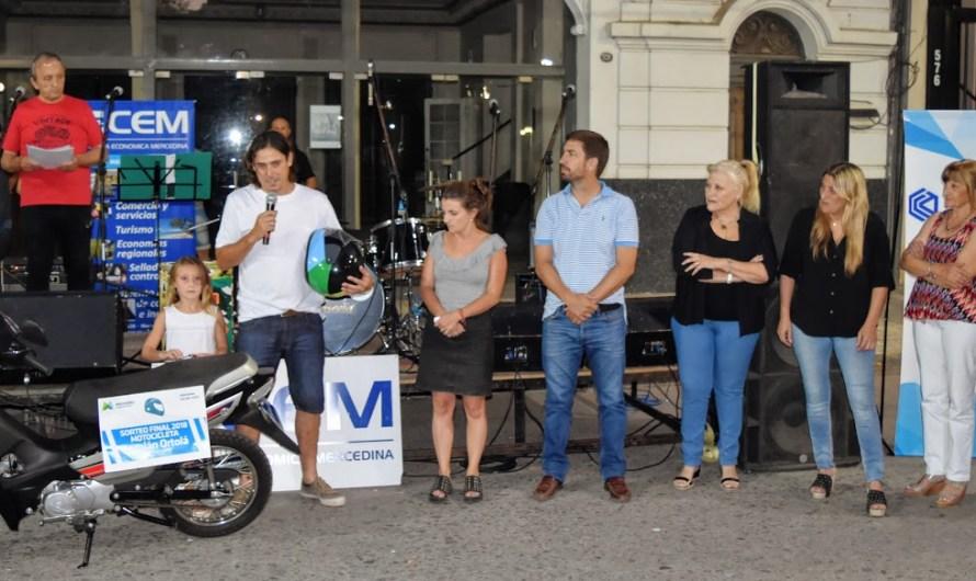 Premiaron con moto 0km y televisor a quienes utilizan casco cuidando la vida y respetando normas