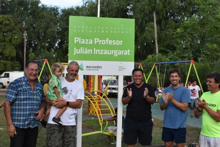 Gowland reconoció al Prof. Inzaurgarat colocando su nombre a la plaza de la localidad