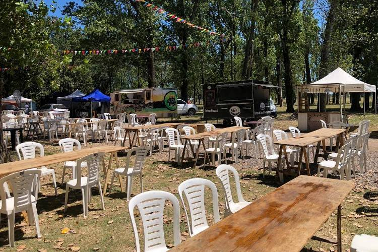 Sábado y domingo food trucks y música en el Parque