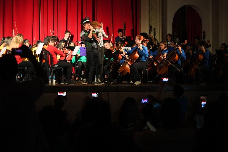 Buenas Cuerdas se presentó en el Teatro Argentino