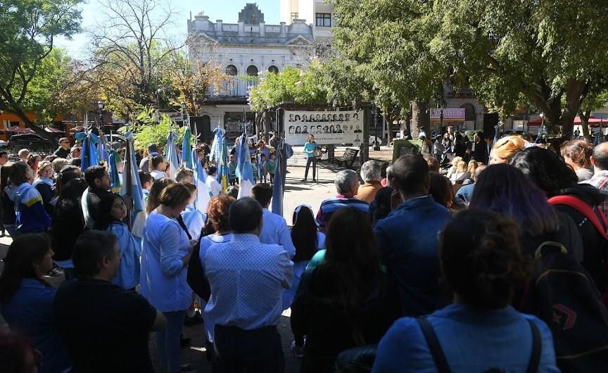 Se llevó a cabo un nuevo acto de la Comisión de Familiares ante el 43° aniversario del último Golpe Cívico Militar