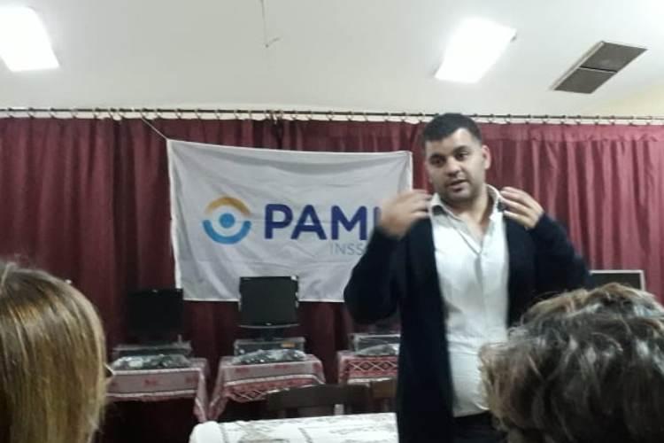 Comenzó la campaña de vacunación de PAMI