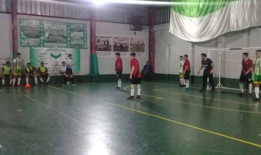 La Escuela Municipal de Futsal perdió en sus dos categorías y se aleja de la punta