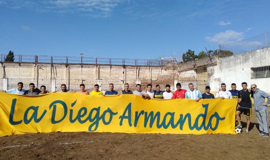 La Diego Armando jugó un partido de fútbol en la Unidad 5