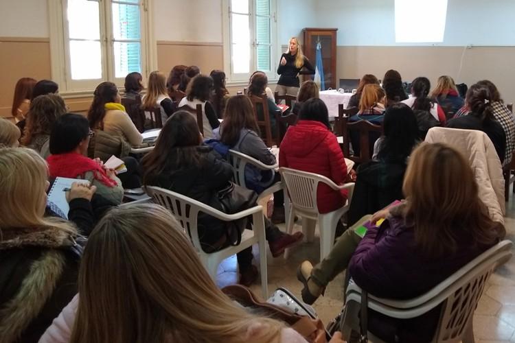 Se brindaron charlas sobre derechos y prevención de la violencia en el noviazgo