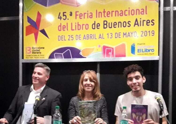 Escritores de Mercedes participaron en la Feria del Libro