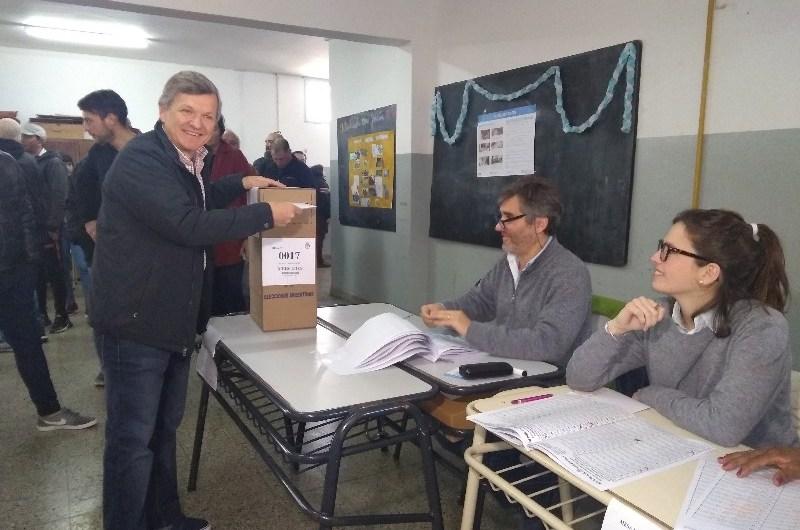 """José Comesaña: """"Es algo muy importante para nuestro país"""" el volver a las urnas"""