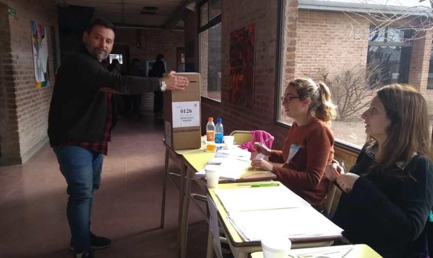 Martín Avalle se mostró feliz por la jornada electoral