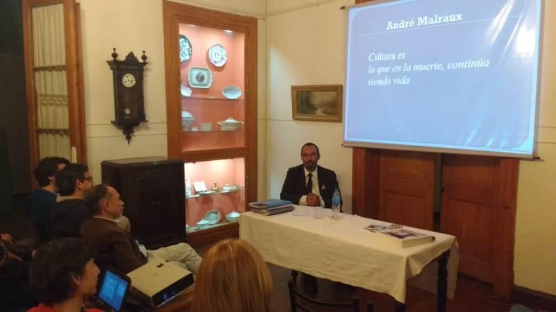 Gallo brindó una charla sobre Patrimonio e Identidad