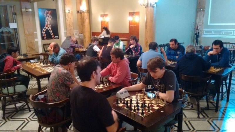 """Está en marcha el torneo Abierto de Ajedrez """"Ciudad de Mercedes"""" en Club del Progreso"""