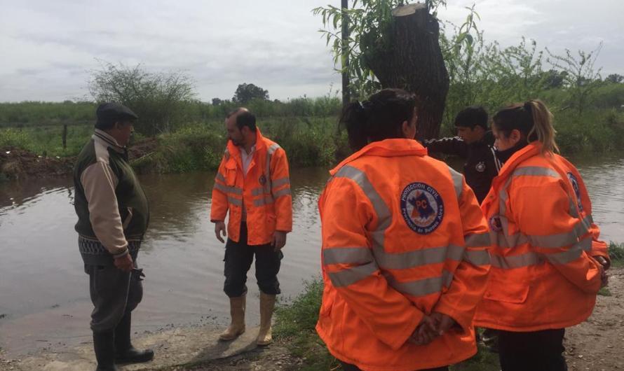 Río Luján no cede y Municipio asiste a vecinos
