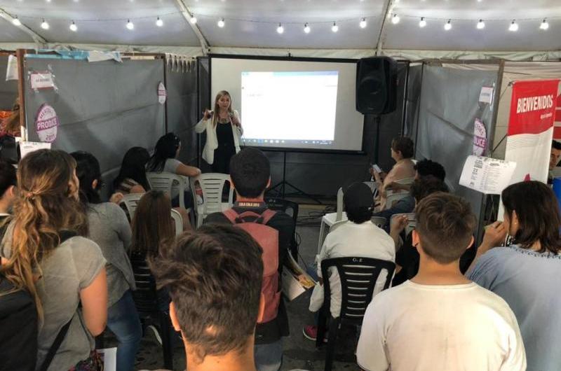 La CEM participó de la Expo de Educación y Trabajo