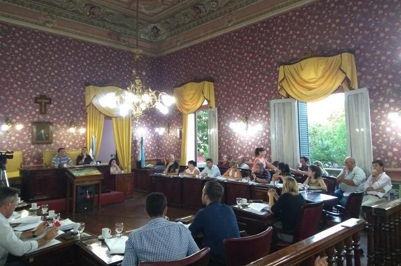 Polémica Asamblea con Contribuyentes terminó con múltiples modificaciones