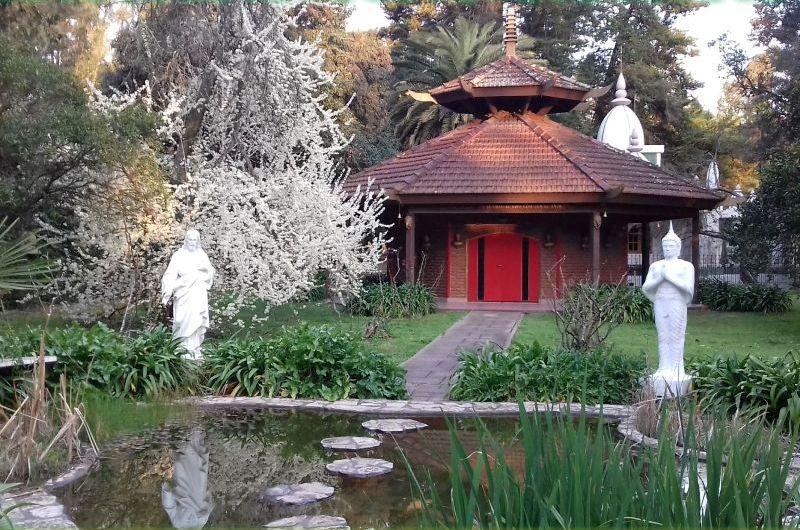 La Escuela Hastinapura llega a Mercedes con cursos de meditación y filosofía