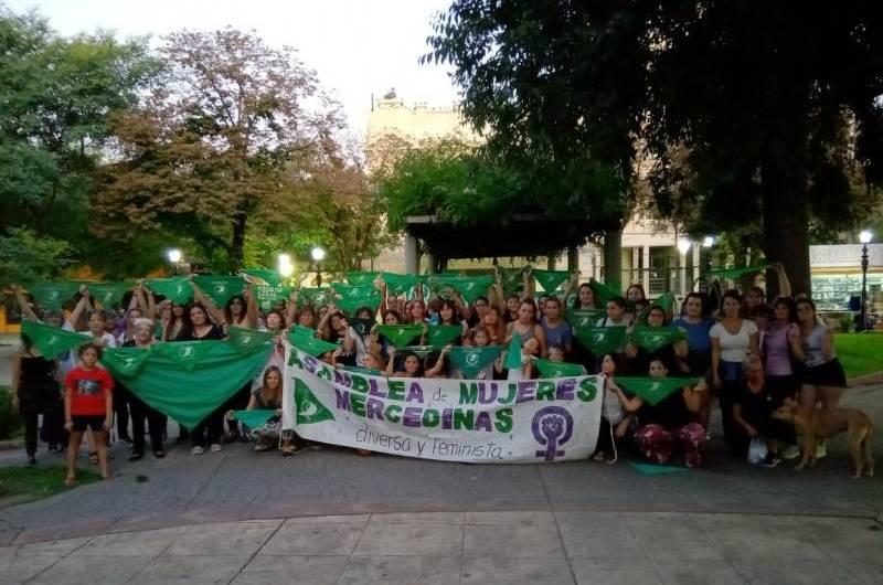 19F: Pañuelazo verde en plaza San Martín