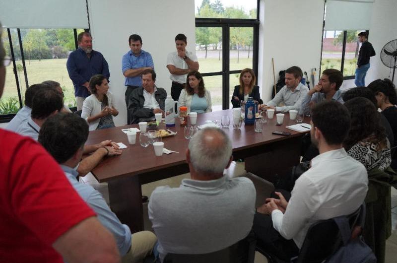 El Ministro Costa visitó empresas e industrias mercedinas