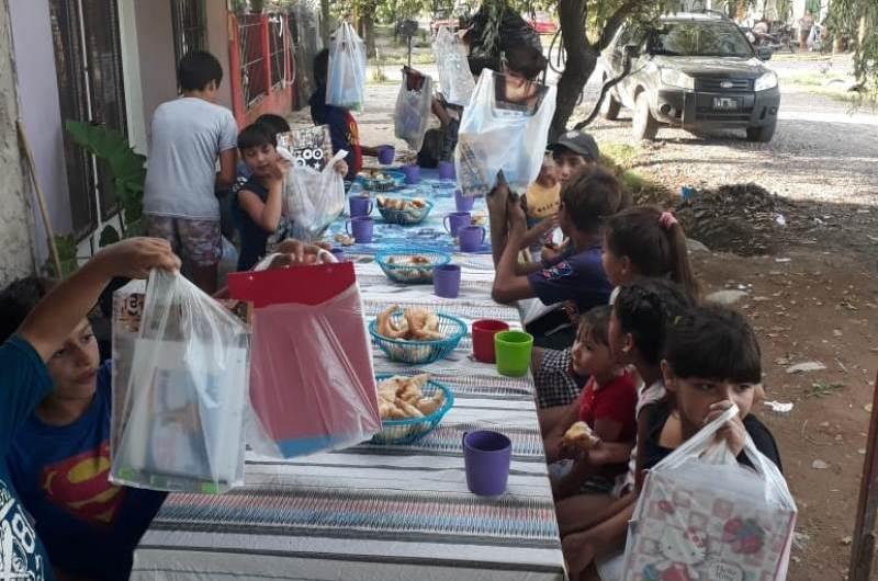 All Boys Solidario entrega útiles escolares