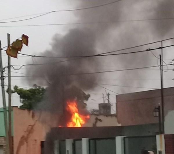 Incendio en el cableado de un domicilio de calle 16