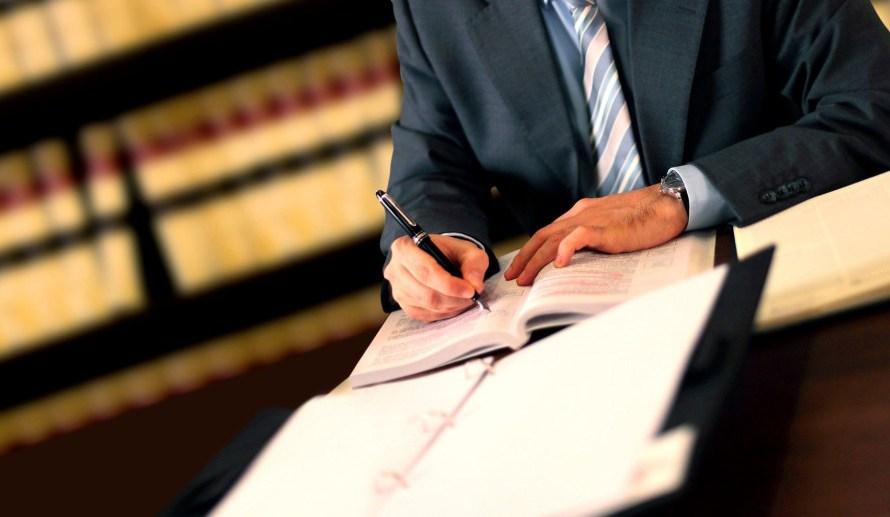 Los profesionales independientes que no estén vinculados a la salud podrán atender en sus oficinas particulares