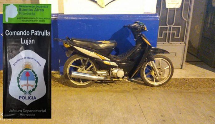 Jóvenes aprehendidos por el robo de una moto