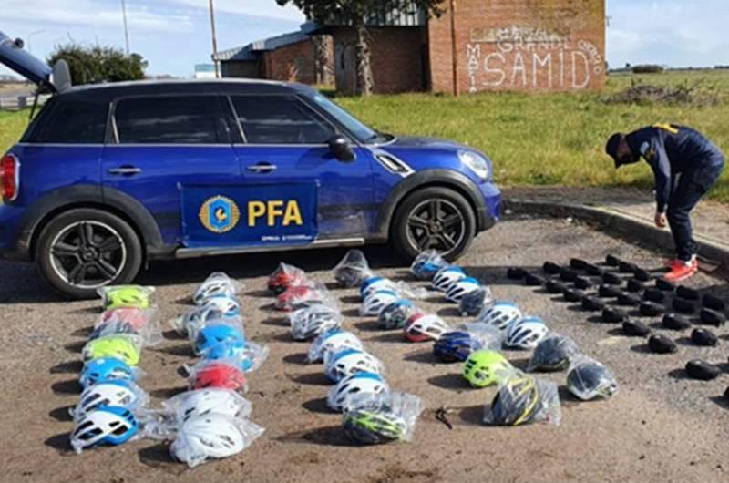 La Policía Federal detuvo a un hombre por contrabando de artículos de ciclismo