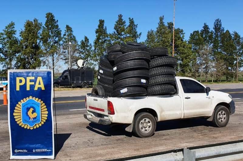 La Policía Federal realizó operativo por infracción a la ley tributaria