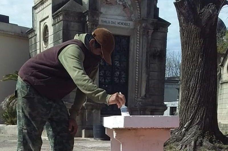 Realizan arreglos en el cementerio municipal