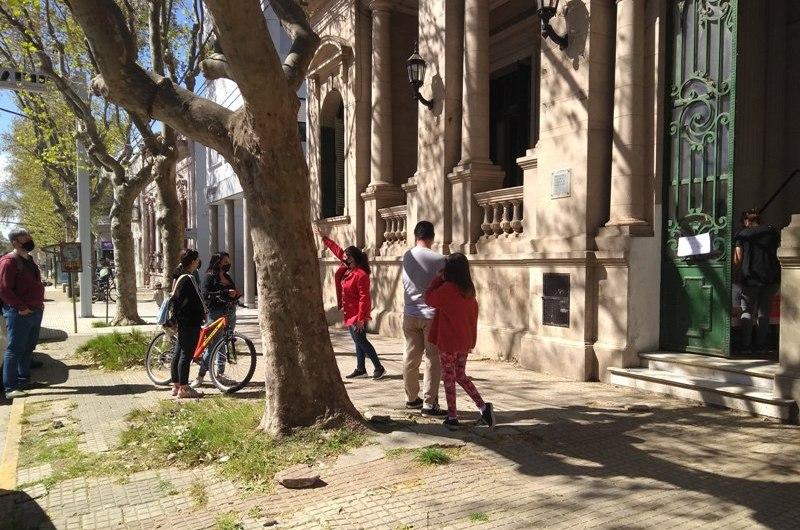 Más de 400 libros repartió la Biblioteca Sarmiento