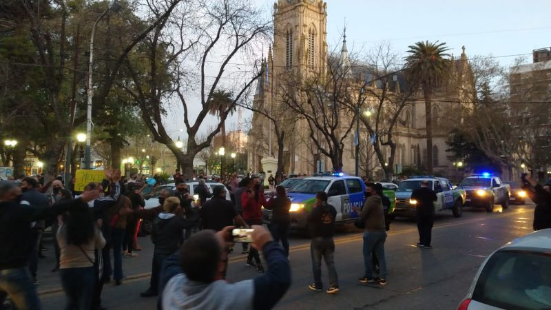La Policía y el SBP marcharon en reclamo de mejores salarios