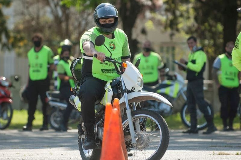 La ONG Formar para Educar capacitó a los agentes de tránsito