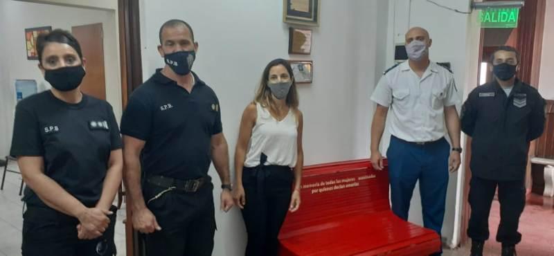 Inauguración del Banco Rojo en la Unidad N° 5 de Mercedes