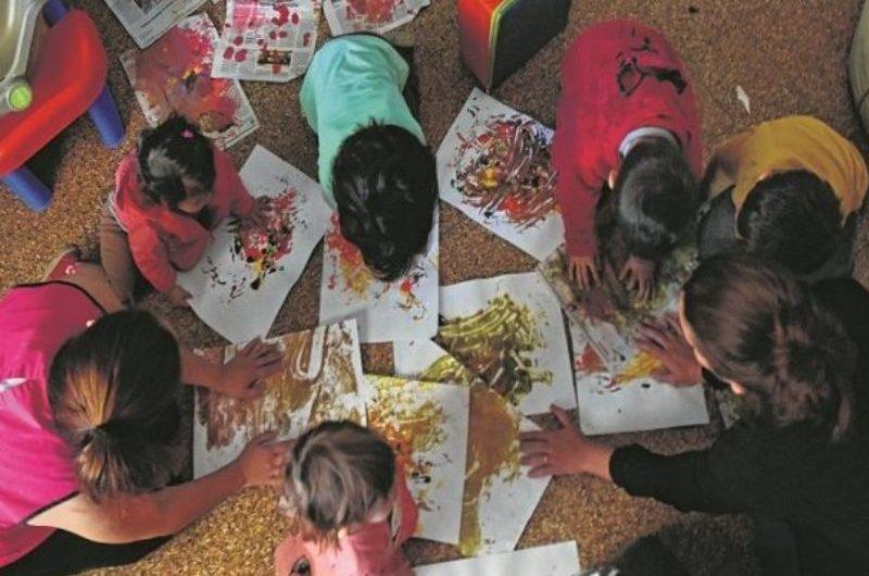Gestionan subsidios para dos jardines maternales