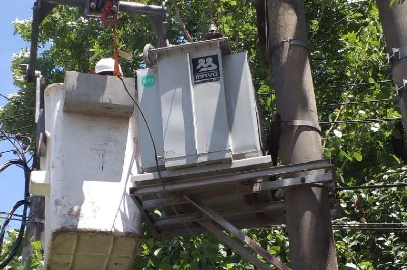 Amplían suministro eléctrico en distintos barrios