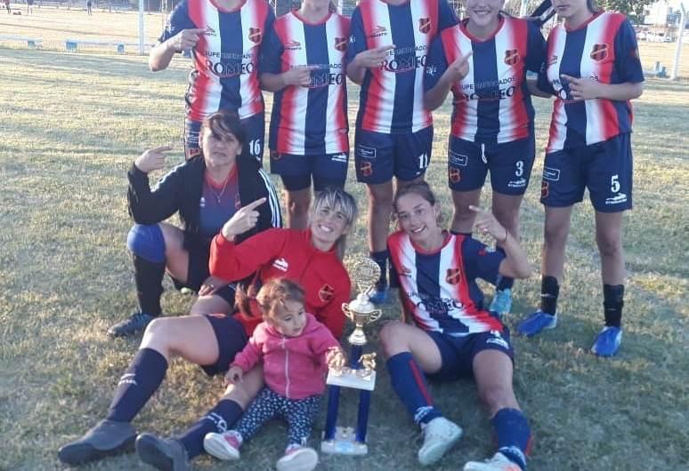Se realizó un torneo de Fútbol Femenino en Ateneo de la Juventud