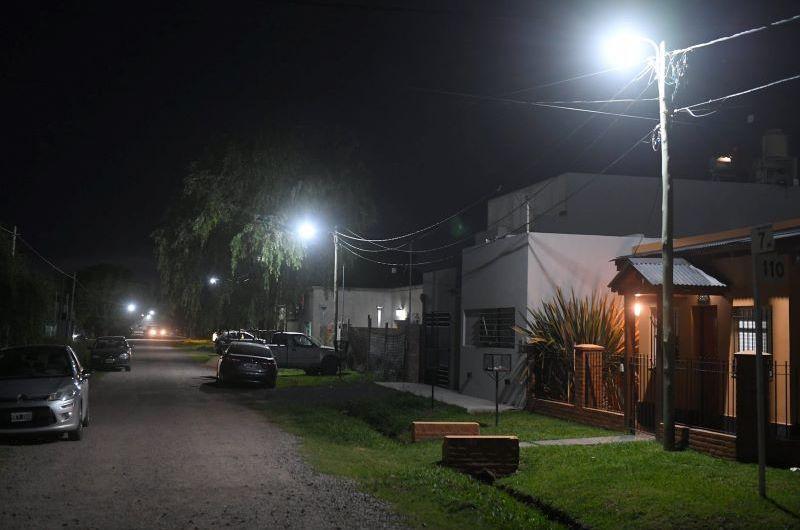 Renuevan luminarias en barrio San Francisco