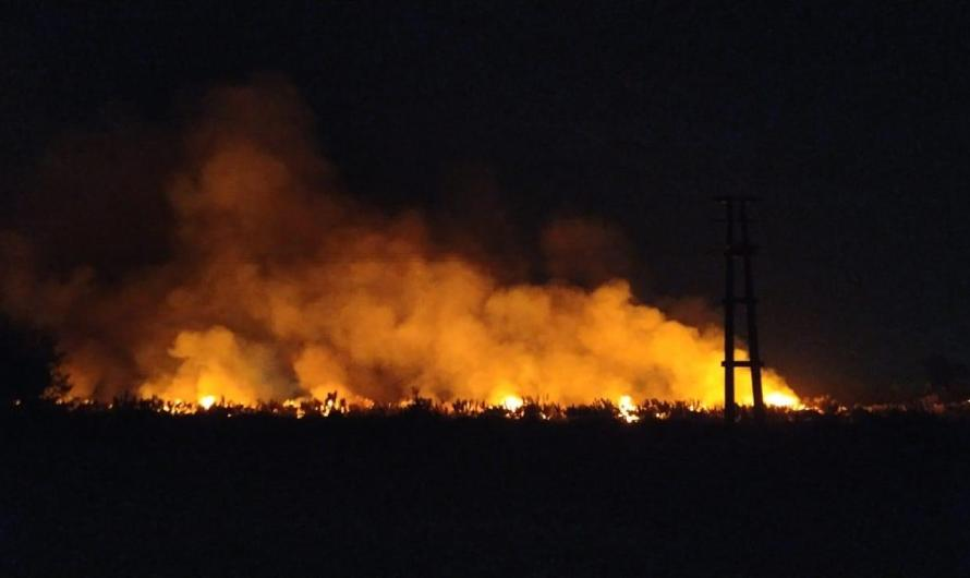 Espectacular incendio y arduo trabajo de bomberos