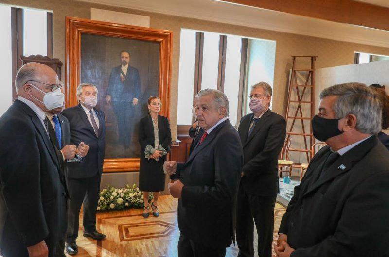 Selva continúa con la gira por México con el Presidente Fernández