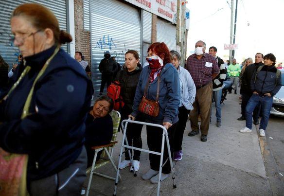 Por Oscar Dinova, escritor: «No te Adelantes en la fila»