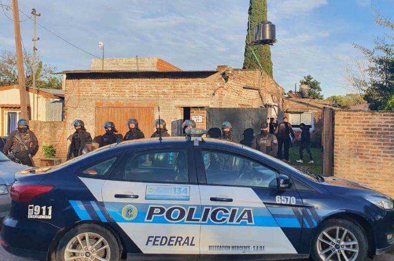Policía Federal desbarata punto de venta de drogas