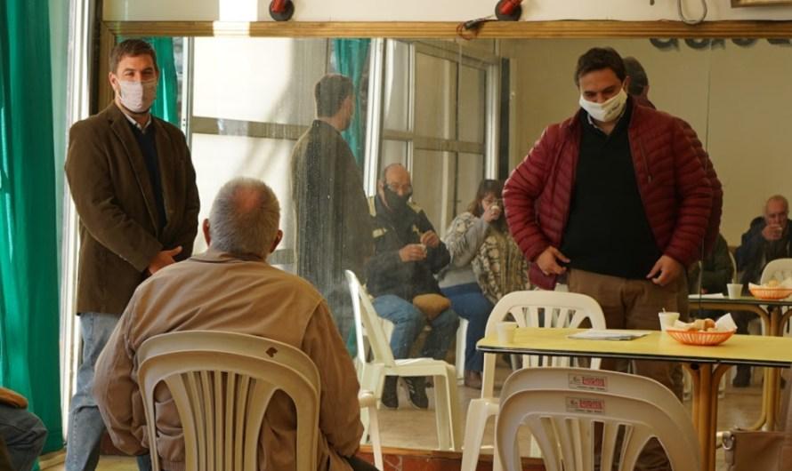 Municipio y PAMI entregaron subsidios a Centros de Jubilados