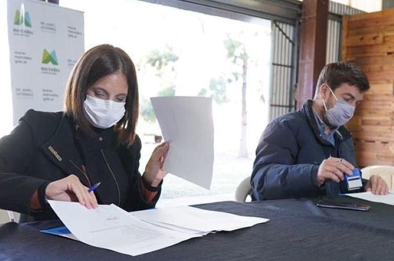 Firman convenio con el Programa Alimentario de Nación