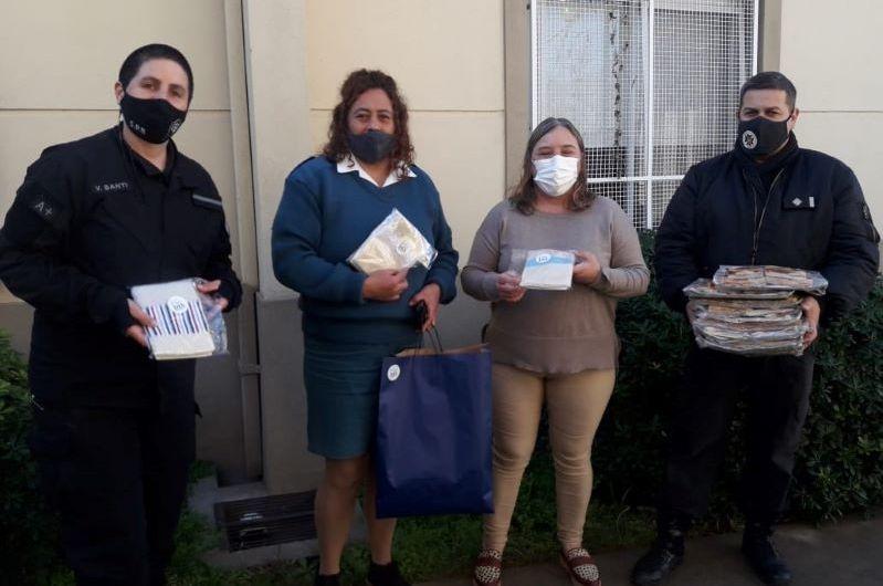 Internos de la cárcel donaron toallas y tortas a hogares de ancianos
