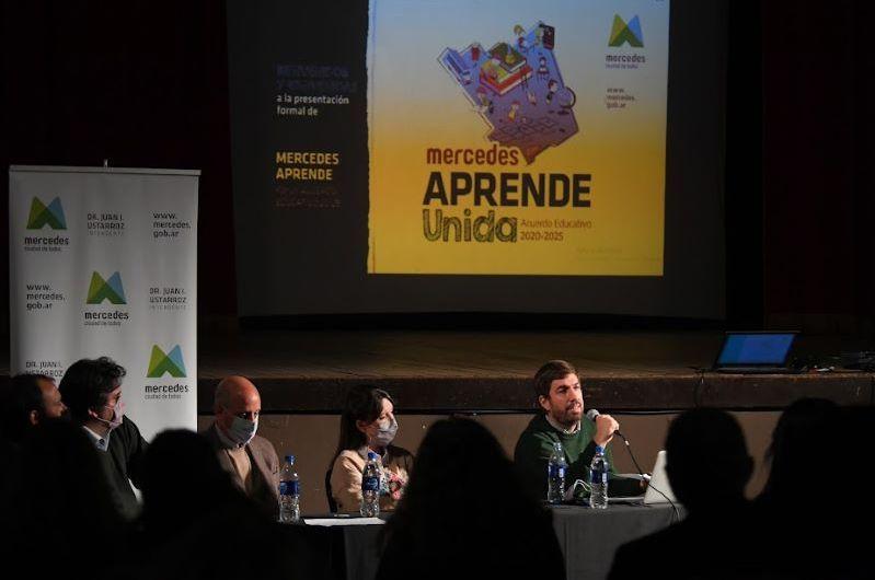 Municipio presentó programa «Mercedes Aprende Unida»