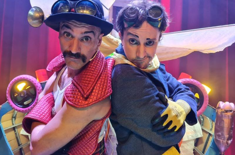 El Capitán Corneta y Tito se presentan en Despertares