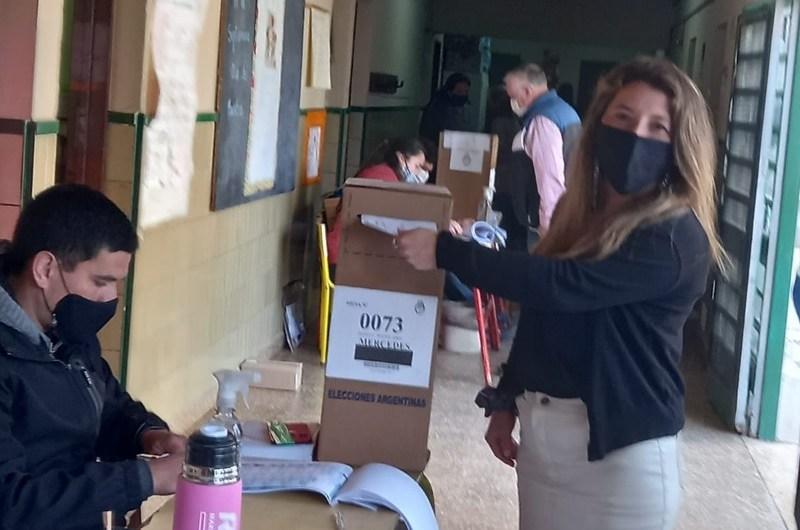 Marilina Bustelo denunció aprietes a votantes