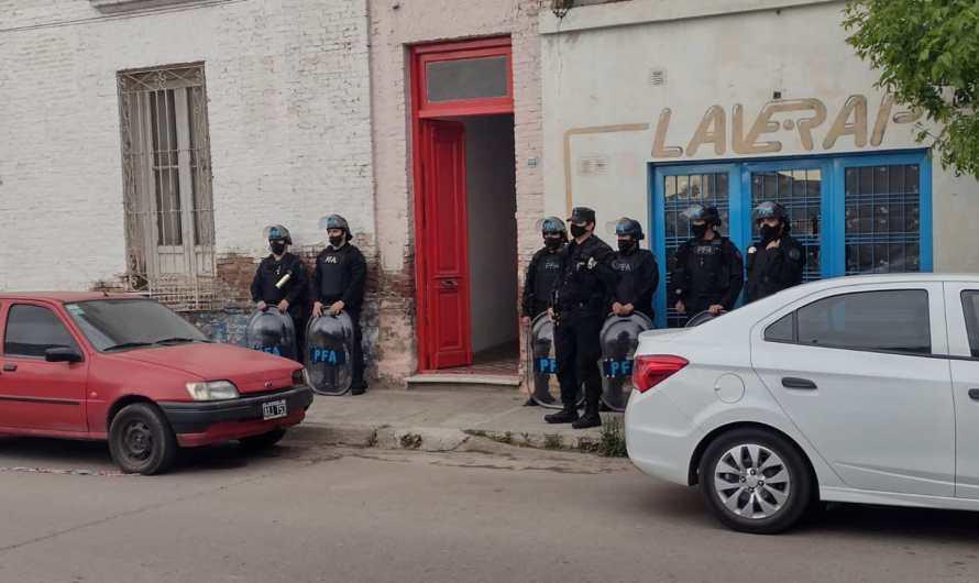 Policía Federal allana un punto de venta de drogas y fiestas clandestinas