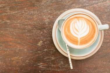 cafe leche taza espuma