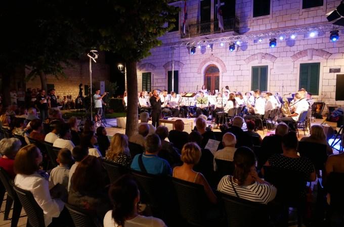 Foto galerija sa koncerta povodom Dana Grada Imotskog