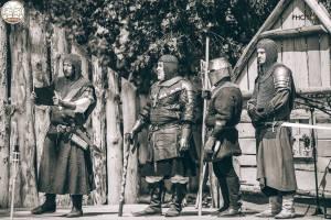 svarog historicky serm rytieri zapas zbrane vystupenie